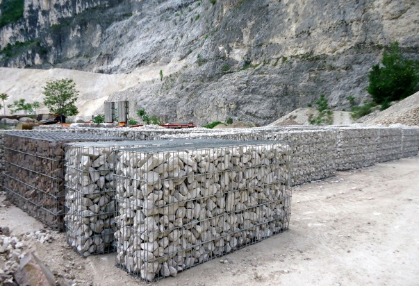 Gabbioni sollevabili for Muri con pietre a vista
